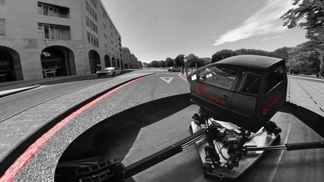 Honda apuesta por un revolucionario simulador de conducción